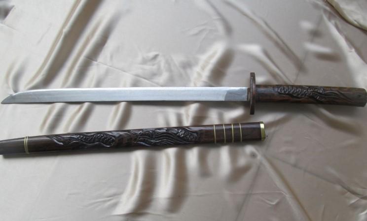 Senjata Tradisional Riau Pedang Jenawi
