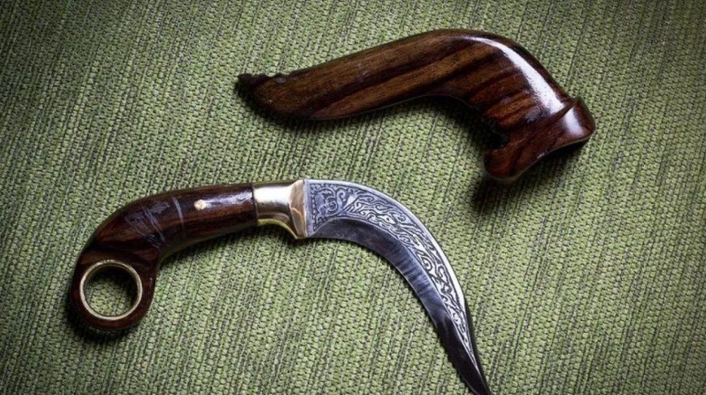 Senjata Tradisional Sumatra Barat - Kerambit