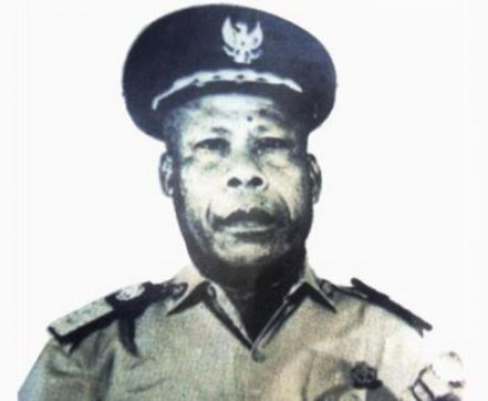 pahlawan asal papua