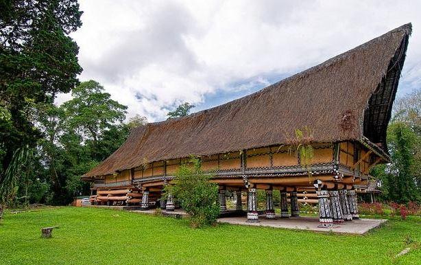 gambar rumah adat sumatera utara