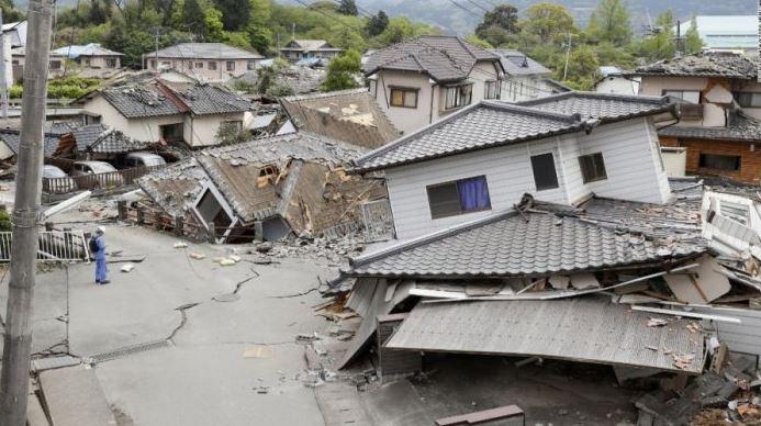 contoh teks berita gempa